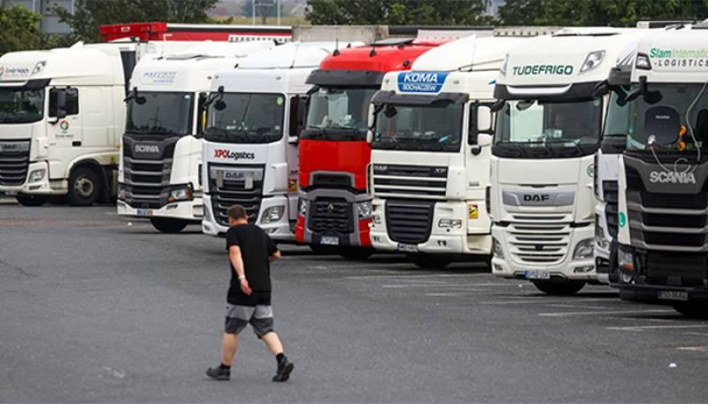 ٹرک ڈرائیورز کا بحران ،برطانیہ نے مختلف ممالک کیلئے ڈرائیورز کے ویزے کھول دئیے