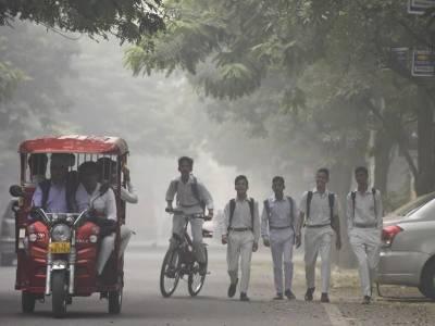 سموگ سے بھارت میں سینکڑوں سکول بند، دہلی میں رانجی ٹرافی کے 2 میچ منسوخ