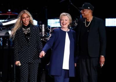 امریکی گلوکاروں نے بھی ہلیری کی حمایت کردی، عوام سے ووٹ دینے کی اپیل