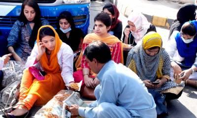 لاہور: ینگ ڈاکٹرز کا دھرنا ختم کرنے کا اعلان