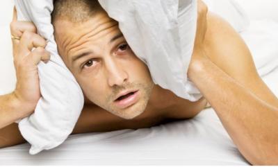 نئی جگہ پر نیند کیوں نہیں آتی؟ وجہ انتہائی دلچسپ