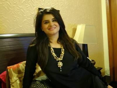 وقت اچھا چل رہا ہے، عمران شادی کرلیں: سامعہ خان