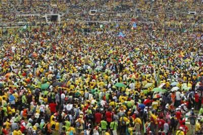 ملائشین وزیر اعظم کی کرپشن کے خلاف کوالالمپور میں ہزاروں افراد کا احتجاج