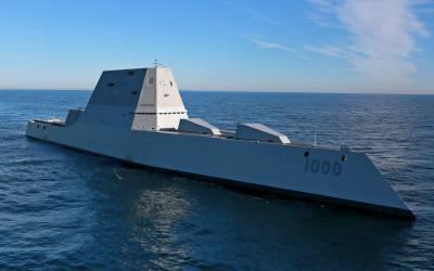 """امریکی بحریہ کا جدید ترین بحری بیڑہ""""یوایس ایس زوم والٹ"""" پانامہ کینال میں پھنس گیا"""