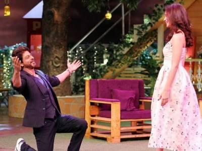 کنگ خان نے اپنی عمر سے نصف عمر کی اداکارہ کو گھٹنوں کے بل بیٹھ کر شادی کی پیشکش کی