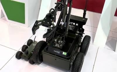 عالمی دفاعی نمائش میں پاکستان کے تیارکردہ روبوٹس اورجدید آلات توجہ کا مرکز