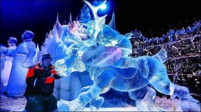 بیلجئیم میں برف سے مجسمہ سازی کاسالانہ میلہ