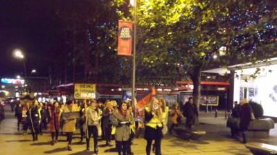 برطانیہ: سڑکوں پر بدسلوکی کے خلاف عورتوں کی احتجاجی ریلی