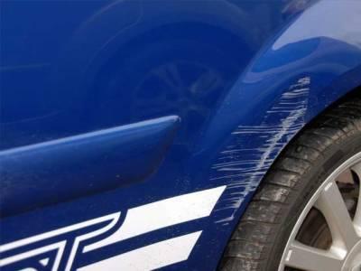 روسی شخص نے ایک ماہ گاڑی میں سوکر کارپرخراشیں ڈالنے والے کو پکڑلیا