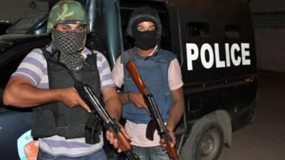 گھوٹکی' مبینہ پولیس مقابلے میں2 ڈاکو ہلاک، 4فرار ہو گئے