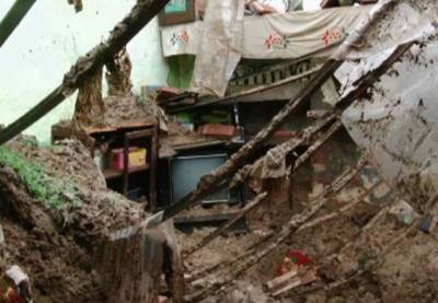 بہاولنگر:محلہ تیلیاں میں مکان کی چھت گر گئی