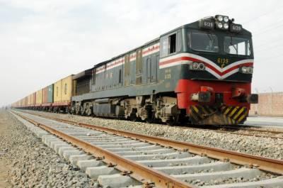 ریلوے کے پاس مجموعی طور پر 440 ریلوے انجنوں میں سے صرف 280 قابل استعمال