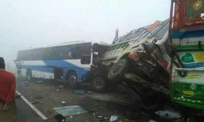 لودھراں:حادثے میں 3 افراد جاں بحق،حادثہ دھند کے باعث پیش آیا،پولیس