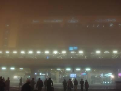 لاہور میں شدید دھند کے باعث ایئر پورٹ اور موٹر وے بند