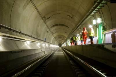 دنیا کی طویل ترین سرنگ ریلوے ٹریفک کیلئےکھول دی گئی