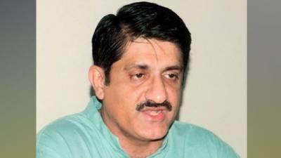 وزیر اعلیٰ سندھ مراد علی شاہ موسم کی خرابی کے باعث ٹرین میں سفر کر کے کراچی پہنچ گئے