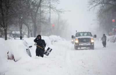 امریکا کی کئی ریاستوں نے برف کی سفید چادر اوڑھ لی ہے