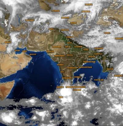 خلیج بنگال کا سمندری طوفان بھارت کے ساحلوں کی طرف بڑھنے لگا