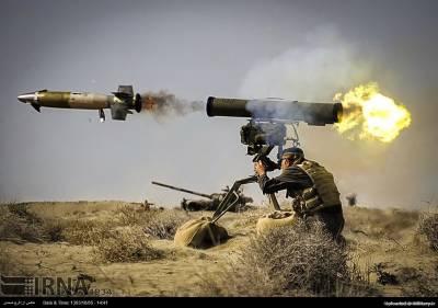 ایران میں فوجی مشقوں کے دوران جدید ترین ہتھیاروں کی نمائش