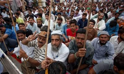 کراچی اسٹیل مل ملازمین پانچ ماہ کی تنخواہ نہ ملنے پرسراپا احتجاج