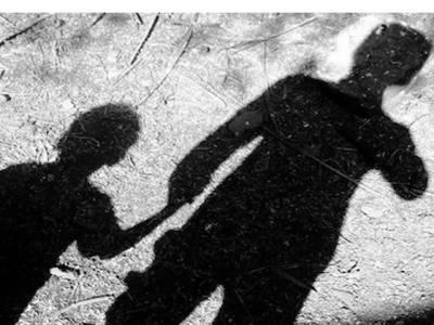 لالچی باپ نے رقم کی خاطر اپنے ہی بیٹے کو اغوا کر لیا