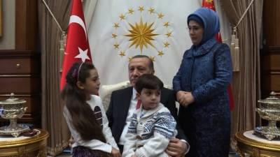 ٹویٹر پر شام کے رنج و الم کی کہانیاں سنانے والی بانا العابد کی ترک صدر سے ملاقات