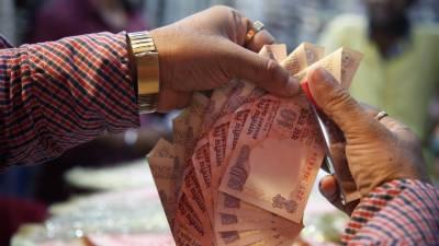 بھارت میں کر نسی بحران،نقد رقم بھی فروخت ہونے لگی