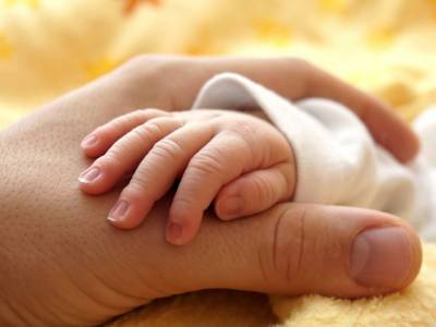 حاملہ خواتین کے ہاں بچوں کی قبل از وقت پیدائش کے مسئلے کا سائنسدانوں نے ناقابل یقین حد تک آسان علاج دریافت کرلیا