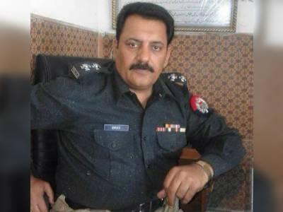 پولیس کا سابق ایس ایچ او کے قحبہ خانہ پر چھاپہ،11خواتین سمیت20افراد گرفتار