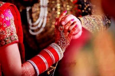 نئے شادی شدہ جوڑوں سے پوچھے جانے والے وہ سوال جو سن کر دلہنوں کے بھی کان لال ہوجاتے ہیں