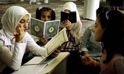 مسلمان بچوں کو نماز سکھانے پر نیا تنازع کھڑا ہو گیا، 5 لاکھ مسلمان کدھر جائیں