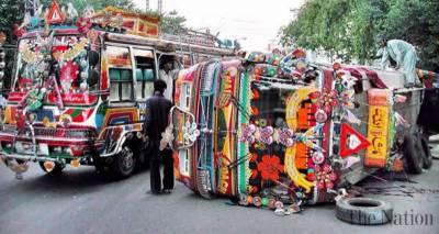 کندھ کوٹ سمیت مختلف شہروں میں ٹریفک حادثات،11افراد جاں بحق،43زخمی