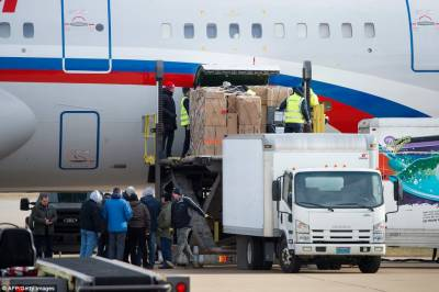 الیکشن میں مداخلت کا الزام, 35 روسی سفارتکارں نے امریکہ چھوڑ دیا