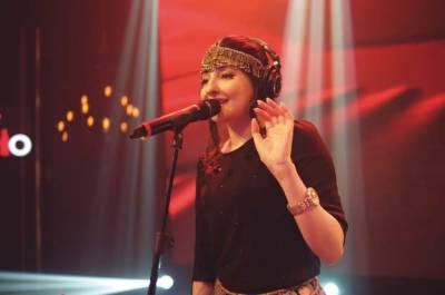 مشہورسیاستدان گلوکارہ گل پانڑا کے عشق میں مبتلا،کروڑوں کی مالیت کا بنگلہ تحفہ میں دے ڈالا