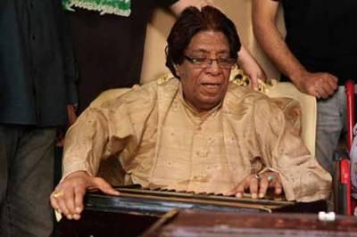 معروف گائیک استاد فتح علی خان 92 سال کی عمر میں انتقال کرگئے