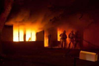 وہاڑی ؛ نواحی گاؤں میں گھر میں شارٹ سرکٹ سے آگ بھڑک اٹھی ،ایک بچہ جانبحق ،تین بچیاں اور والدہ شدید زخمی