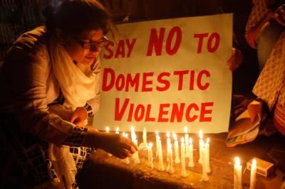 سیالکوٹ میں سوتیلی ماں کے بہیمانہ تشدد سے لڑکی ذہنی توازن کھو بیٹھی،ملزمہ گرفتار