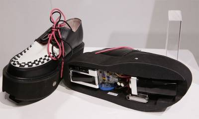 خود بخود صفائی کرنے والے جوتے ، ہر خاتون کی خواہش