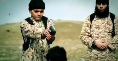 داعش کی کم سن بچوں کو انتہائی خطرناک تربیت کہ جان کر سب پریشانی میں مبتلا ہو جائیں۔۔!!!