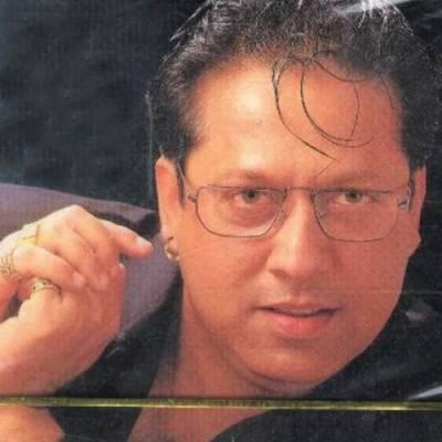 معروف گلوکار ارشد محمود کو کراچی میں ڈاکووں نے لوٹ لیا