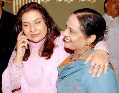 معروف ہدایت کار سید نور کی اہلیہ اور مصنفہ رخسانہ نور لاہور میں انتقال کر گئیں