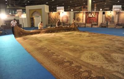 دبئی میں خالص ریشم اورسونے سے تیار کردہ قالین فروخت کیلئے پیش