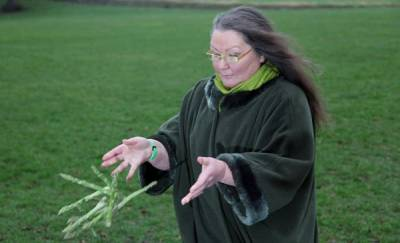 اب سبزیوں سےاپنا مستقبل جانئیے