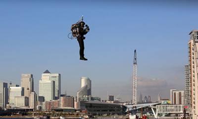 """انسانوں کو لے کر اڑنے والا """"جیٹ پیک"""" انگلینڈ میں فروخت کیلئے پیش"""