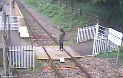ٹرین کی پٹری پر سیلفی لیتے ہوئے دو نوجوان ہلاک