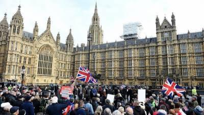 برطانوی عدالت نے ایسا حکم جاری کر دیا کہ سب حکمران سر پکڑ کر بیٹھ گئے ۔۔!!