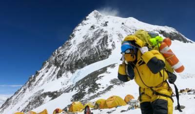 ماؤنٹ ایورسٹ کی دوبارہ پیمائش کے فیصلے پر بھارت اور نیپال میں ٹھن گئی ۔۔۔!!!