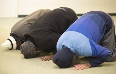 نماز کا وقفہ نہ دینے پر امریکی کمپنی کا بہت بڑی مشکل میں پھنسنے کا خطرہ۔۔۔!!!