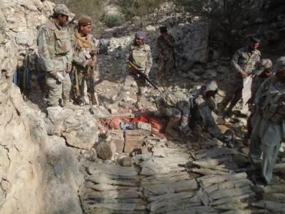 بلوچستان: حساس ادارے اور ایف سی کی کارروائی، بھاری تعداد میں اسلحہ برآمد