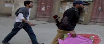 لاہور: پتنگ بازوں نے قانون کی دھجیاں اڑا دیں،85افراد گرفتار